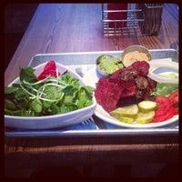 Снимок сделан в YEAH! Burger пользователем Luca P. 7/22/2013