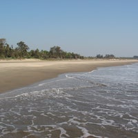 Photo taken at Morjim Beach by Hakan on 7/16/2013