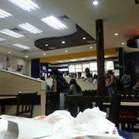 Photo taken at Burger King by Dionnys B. on 5/18/2014