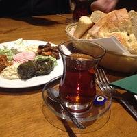 12/12/2013 tarihinde Olya M.ziyaretçi tarafından Merhaba Restaurant'de çekilen fotoğraf