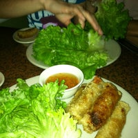 Photo taken at Hollywood Vietnamese & Chinese Cuisine by Santiago C. on 2/11/2013
