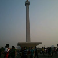 Photo taken at Lapangan Silang Monas by ★Melanie ★. on 9/29/2012