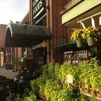 Foto scattata a Whole Foods Market da Danielle il 7/12/2013