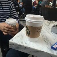 4/10/2016 tarihinde Burak Ç.ziyaretçi tarafından Starbucks'de çekilen fotoğraf