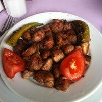 Photo taken at Vakkas'ın Et ve Uykuluk Yeri by Burak U. on 12/4/2012