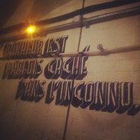 Foto diambil di L'Inconnu oleh Jack W. pada 9/21/2012