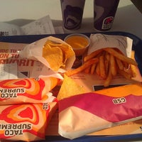 Photo taken at Taco Bell by Felician L. on 6/8/2014