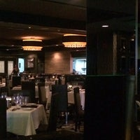 Photo taken at Morton's The Steakhouse by أ. نور ا. on 8/20/2014