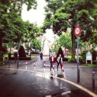 Das Foto wurde bei Viktoria-Luise-Platz von Nils R. am 5/31/2013 aufgenommen