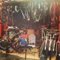12/31/2016 tarihinde Allyosha O.ziyaretçi tarafından Bicicletas Emancipación'de çekilen fotoğraf