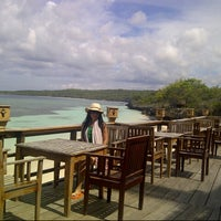 Photo taken at D'Perahu by Sherly J. on 4/15/2013
