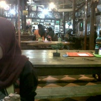 Photo taken at Bakso Kuto Wong Malang Cak To by Esa M. on 12/26/2014