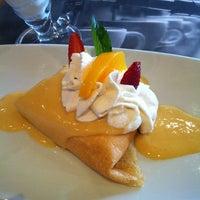รูปภาพถ่ายที่ Crepes & Waffles โดย Grecia Z. เมื่อ 6/4/2013