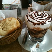 Foto tomada en Fran's Café por Amanda C. el 2/9/2013