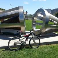 Foto tirada no(a) Parque de las Esculturas por Luis R. em 2/18/2013