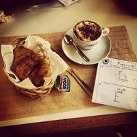 Foto tirada no(a) Fran's Café por Juliana D. em 4/19/2013
