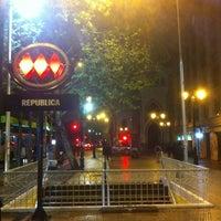 Foto tomada en Metro República por Pablo R. el 10/7/2012