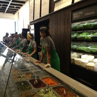 Photo prise au sweetgreen par Emil H. le8/28/2013