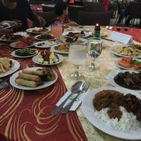 Photo taken at Restaurant Kelab Golf & Rekreasi PETRONAS by Muhamad A. on 6/21/2016