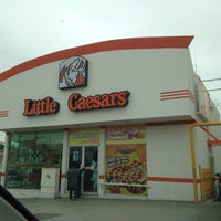 Photo taken at Little Caesars by Pepe L. on 1/6/2014
