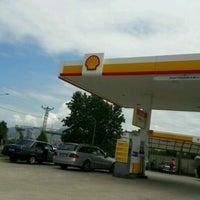 Photo taken at Shell by Gülşen S. on 1/1/2017