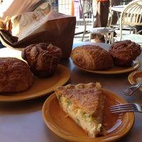Foto tomada en Bread & Cie por C L. el 2/24/2013