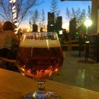 รูปภาพถ่ายที่ Braindead Brewing โดย Dustin F. เมื่อ 3/28/2015
