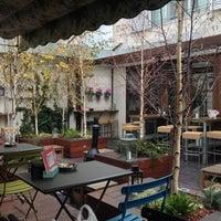 11/28/2012 tarihinde Noha W.ziyaretçi tarafından La Tita Rivera'de çekilen fotoğraf