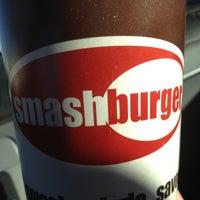 Снимок сделан в Smashburger пользователем Jay W. 1/5/2013