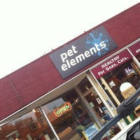 Photo taken at Pet Elements by Cheryl R. on 10/12/2012