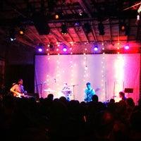 Foto tirada no(a) Bootleg Bar & Theater por Kelsey M. em 1/31/2013