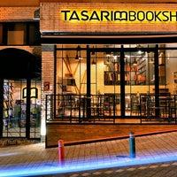 2/8/2016 tarihinde Tasarım Bookshop Cafeziyaretçi tarafından Tasarım Bookshop Cafe'de çekilen fotoğraf
