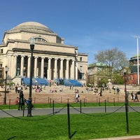 Foto tirada no(a) Low Steps - Columbia University por Robert A. em 4/30/2013