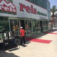 Photo taken at Reis Supermarket by Asma K. on 5/1/2016