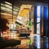 Foto tomada en The Highland Dallas, Curio Collection by Hilton por Mendel el 6/26/2013