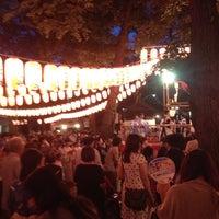 Foto scattata a 雑司ヶ谷 鬼子母神 (鬼子母神堂) da HIG il 7/20/2013