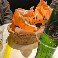 Photo taken at Freshness Burger by かーたん on 10/28/2016