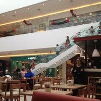 รูปภาพถ่ายที่ Costa Urbana Shopping โดย Eduardo F. เมื่อ 11/10/2012