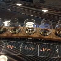 Foto tirada no(a) Seven Stills Brewery & Distillery por Clay R. em 10/7/2017