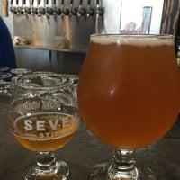 Foto tirada no(a) Seven Stills Brewery & Distillery por Clay R. em 9/16/2017