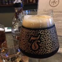 Foto tirada no(a) Seven Stills Brewery & Distillery por Clay R. em 3/4/2017