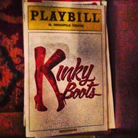 Foto tirada no(a) Kinky Boots at the Al Hirschfeld Theatre por Will O. em 4/25/2013