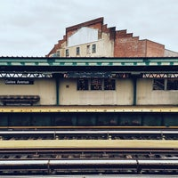 Photo taken at Gates Avenue Station (J) by Aimless A. on 3/16/2015