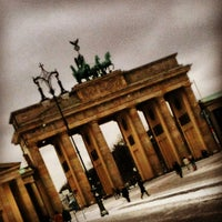 Photo taken at Brandenburg Gate by Fernanda S. on 5/25/2013