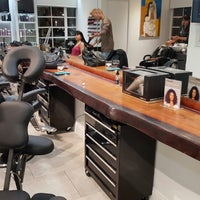 Quattro hair salon flamingo lummus miami beach fl for 7 salon miami beach