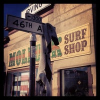 Photo prise au Mollusk Surf Shop par Rylan C. le10/18/2012