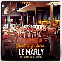 Photo taken at Le Marly by Tati Sipay on 5/6/2013