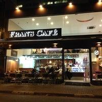 Foto scattata a Fran's Café da Rodrigo J. il 11/18/2012