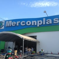 Photo taken at Lojão Merconplas by Vennberg N. on 1/23/2013