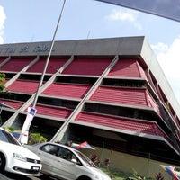 Photo taken at pasar besar tmn tun dr ismail by Ahmad Taufiq R. on 7/7/2013